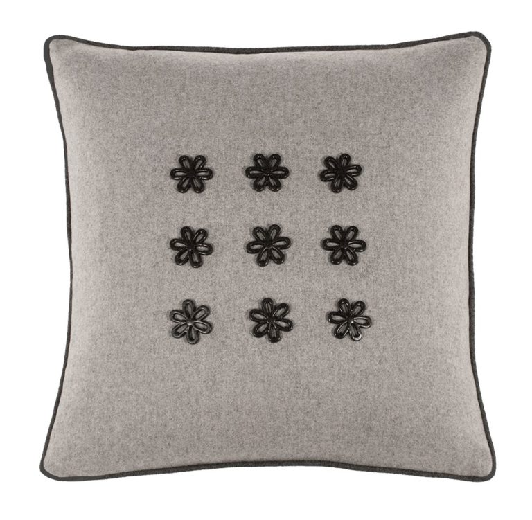 Idothea III Cushion Front