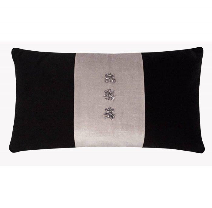 Minerva I Cushion Front