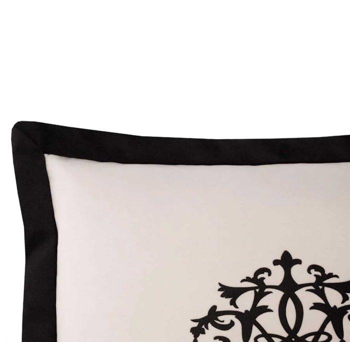 Petronia I Cushion Edge