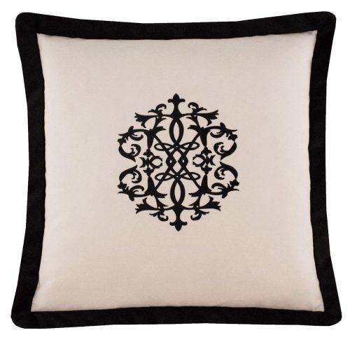 Petronia I Cushion FRont