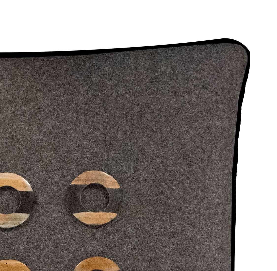 Salvatrix II Cushion Edge