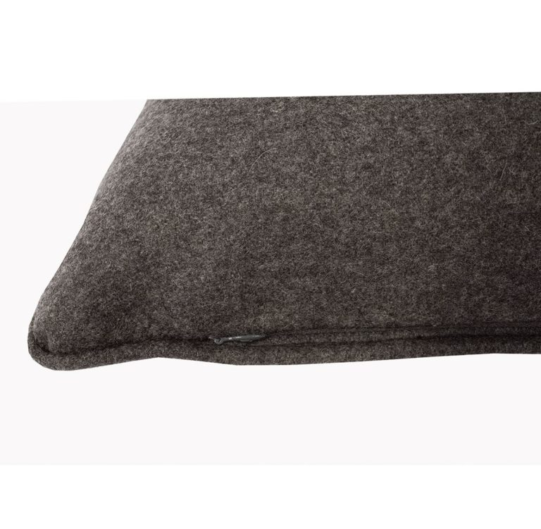 Salvatrix III Cushion Zip